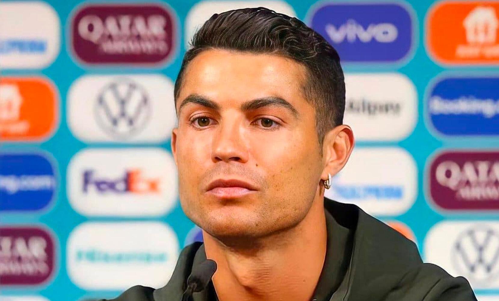 Cristiano Ronaldo Conferenza stampa euro 2020 coca-cola