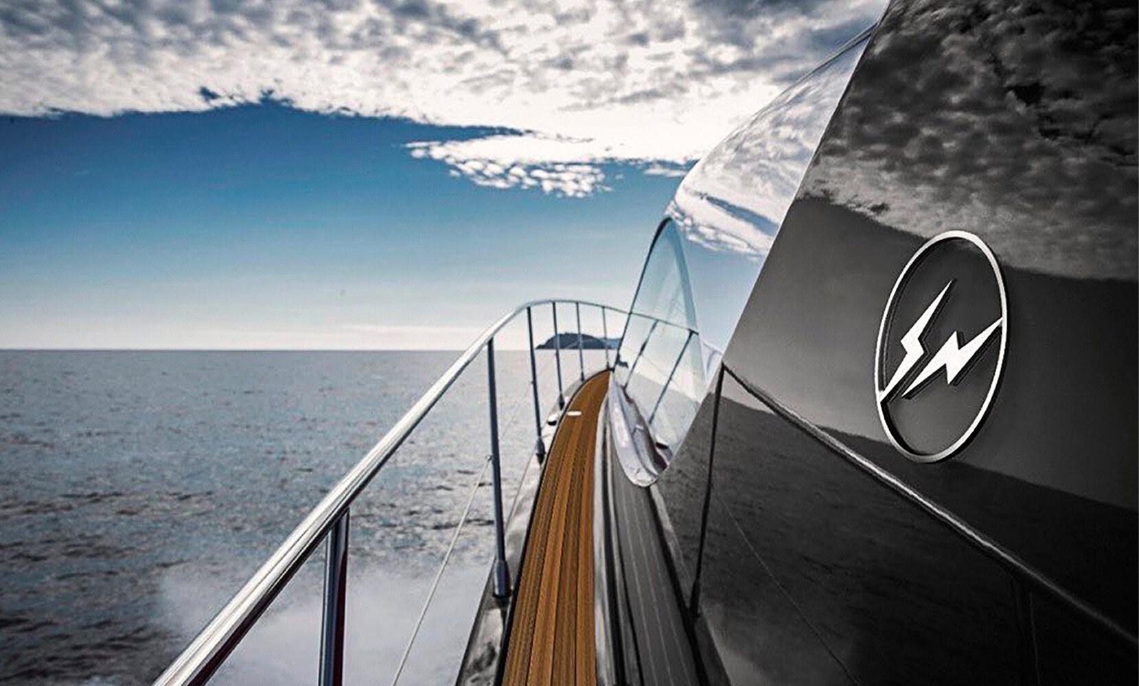 Fragment x Azimut Yacht