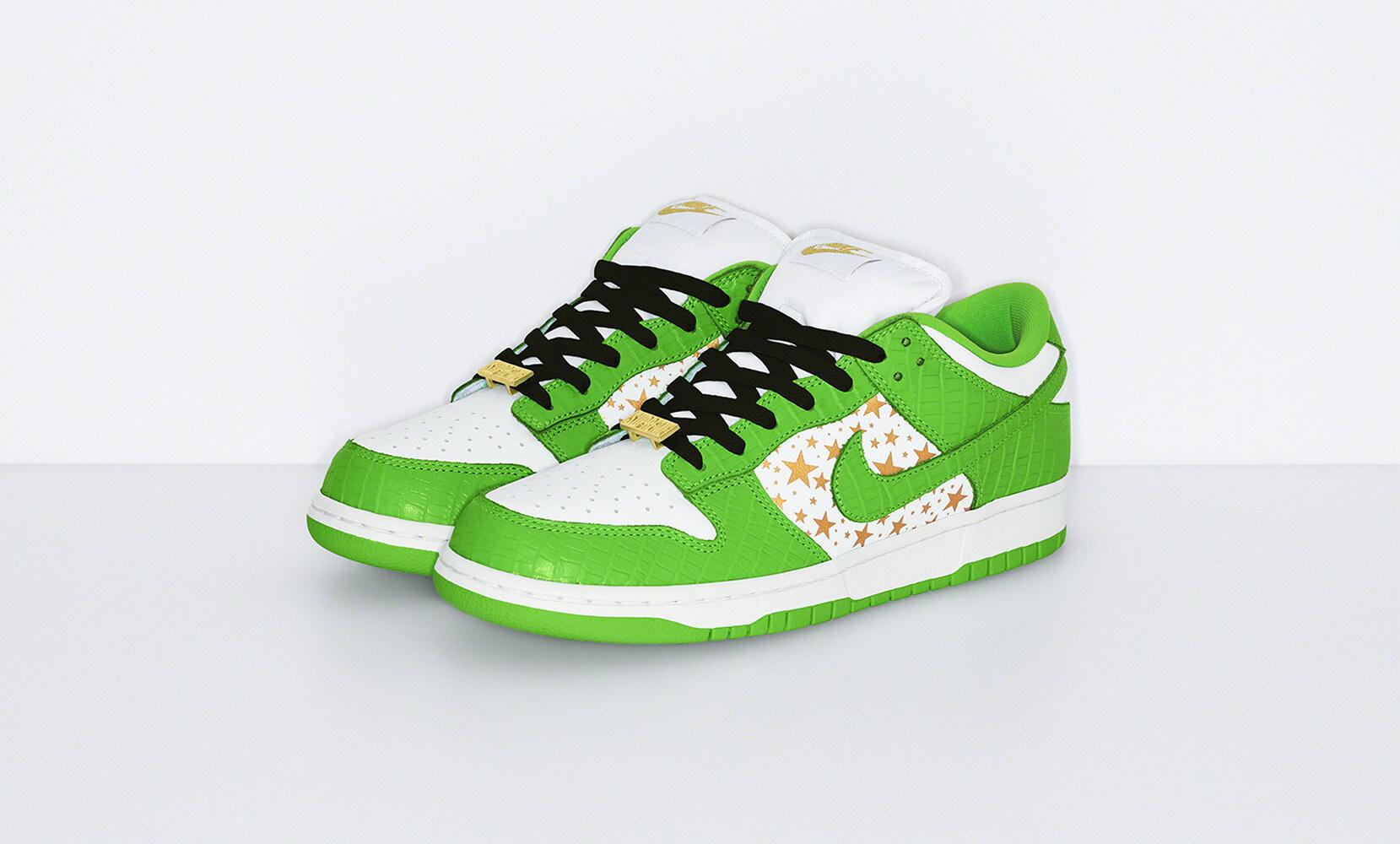Supreme x Nike Dunk Low stelle