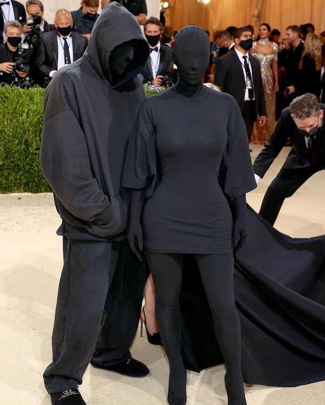 Kim Kardashian e Demna Gvasalia Balenciaga Met Gala 2021