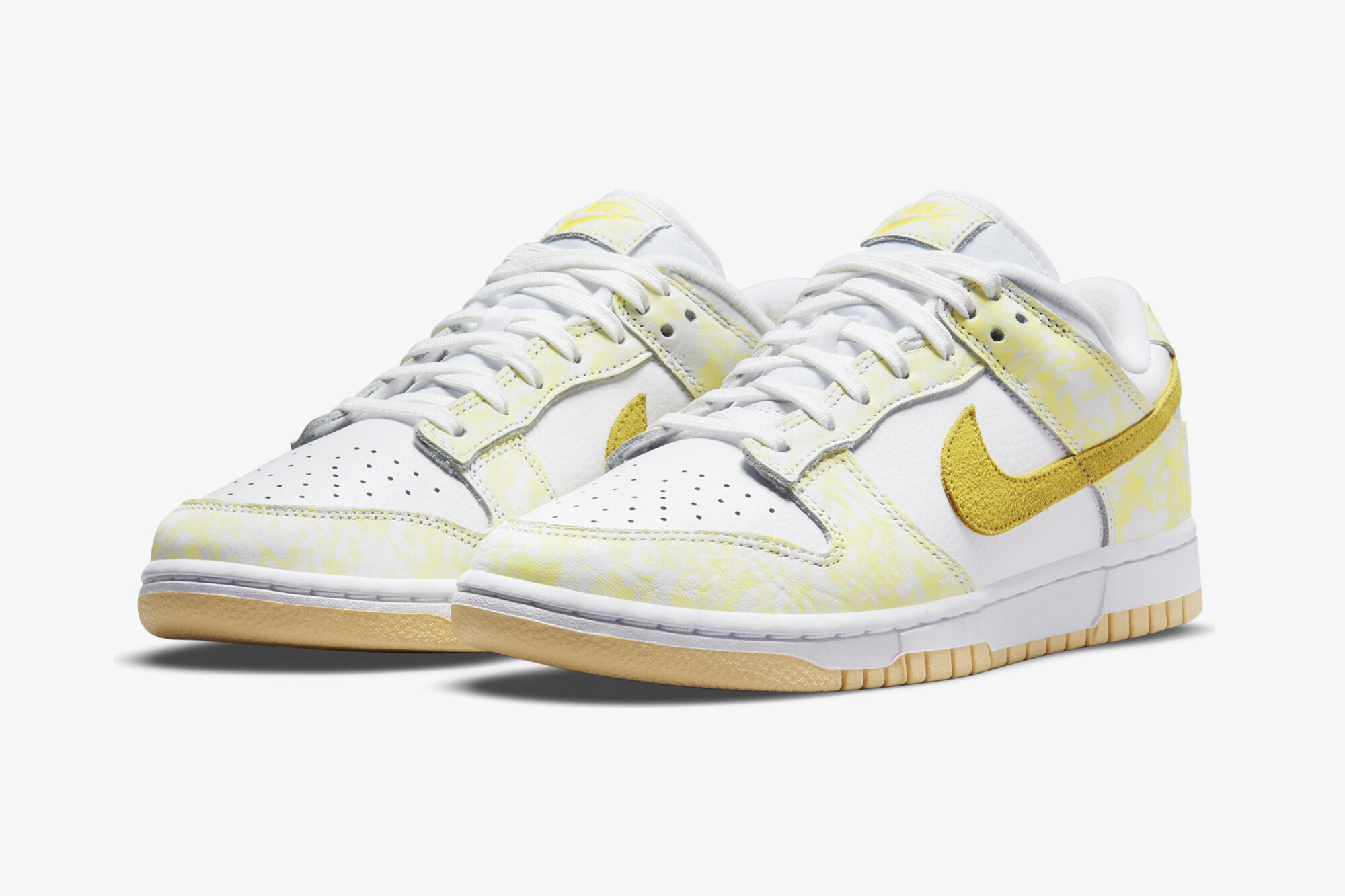 "Nike Dunk Low ""Strike Yellow"""