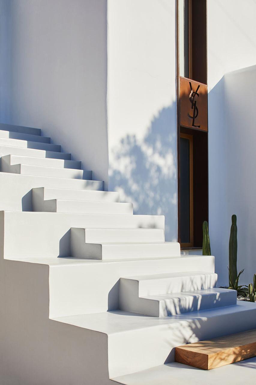 Saint Laurent nuovi store Mykonos e Ibiza
