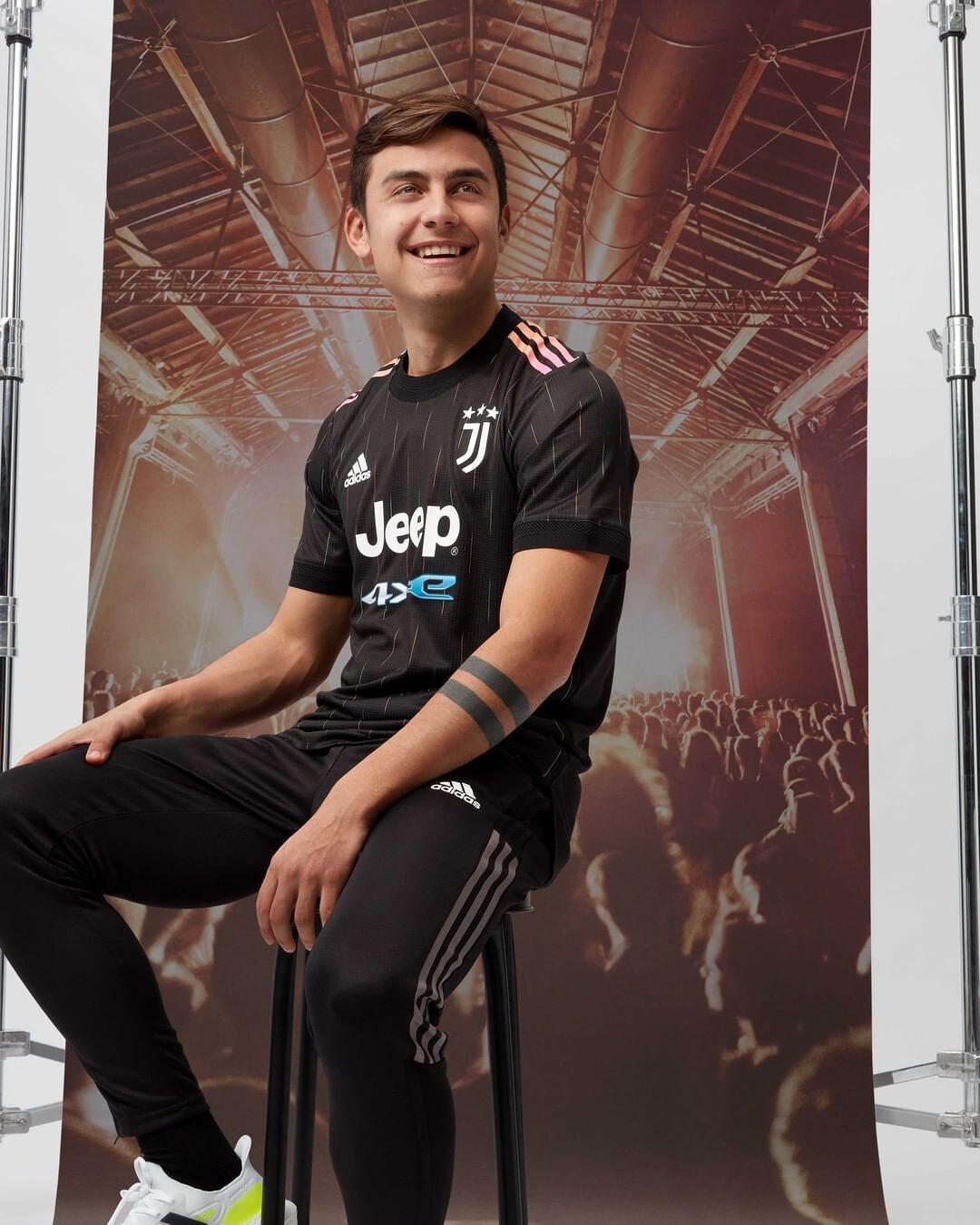 Juventus Away Kit 2021-22