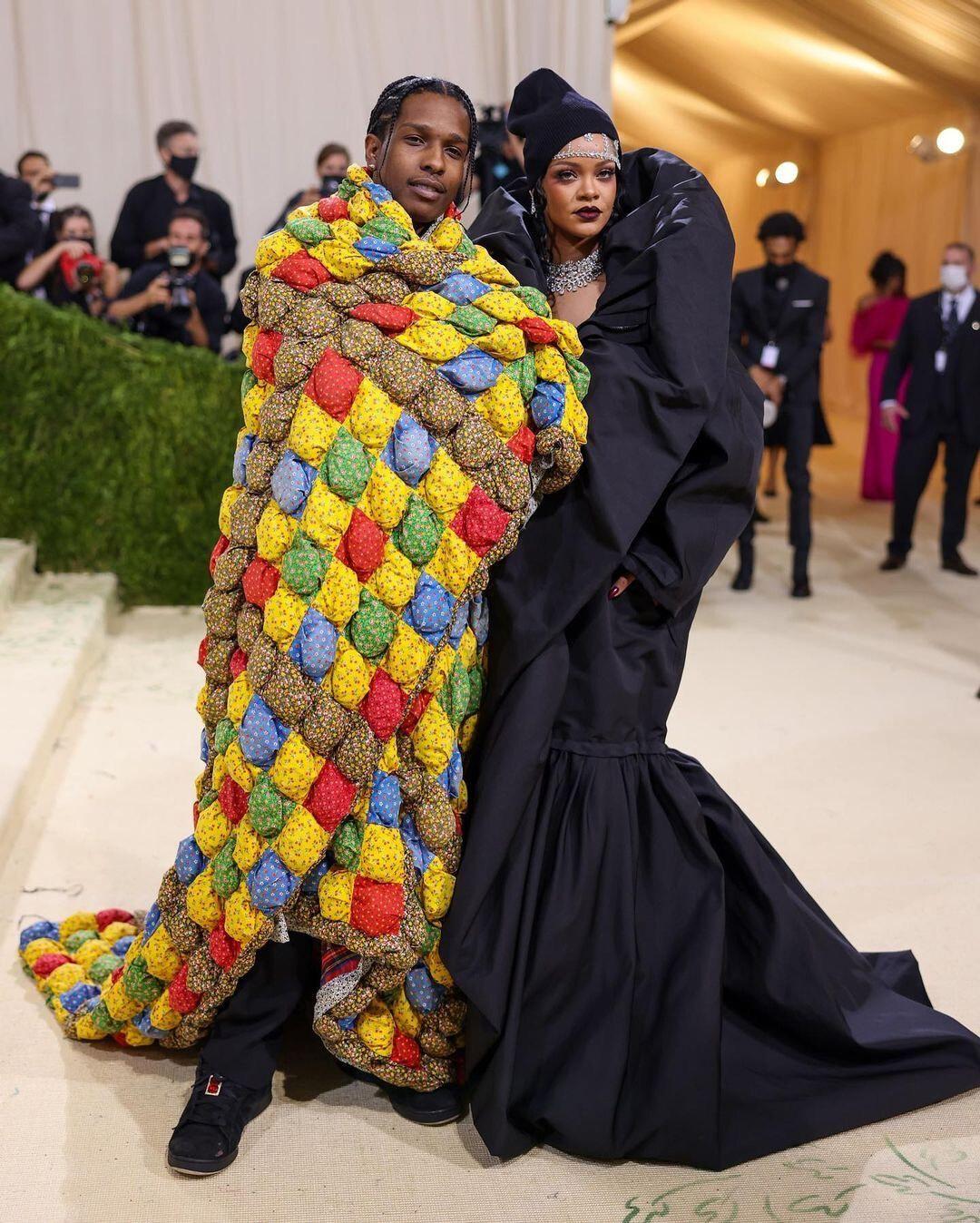 Rihanna Balenciaga e A$AP Rocky Erl Met Gala 2021