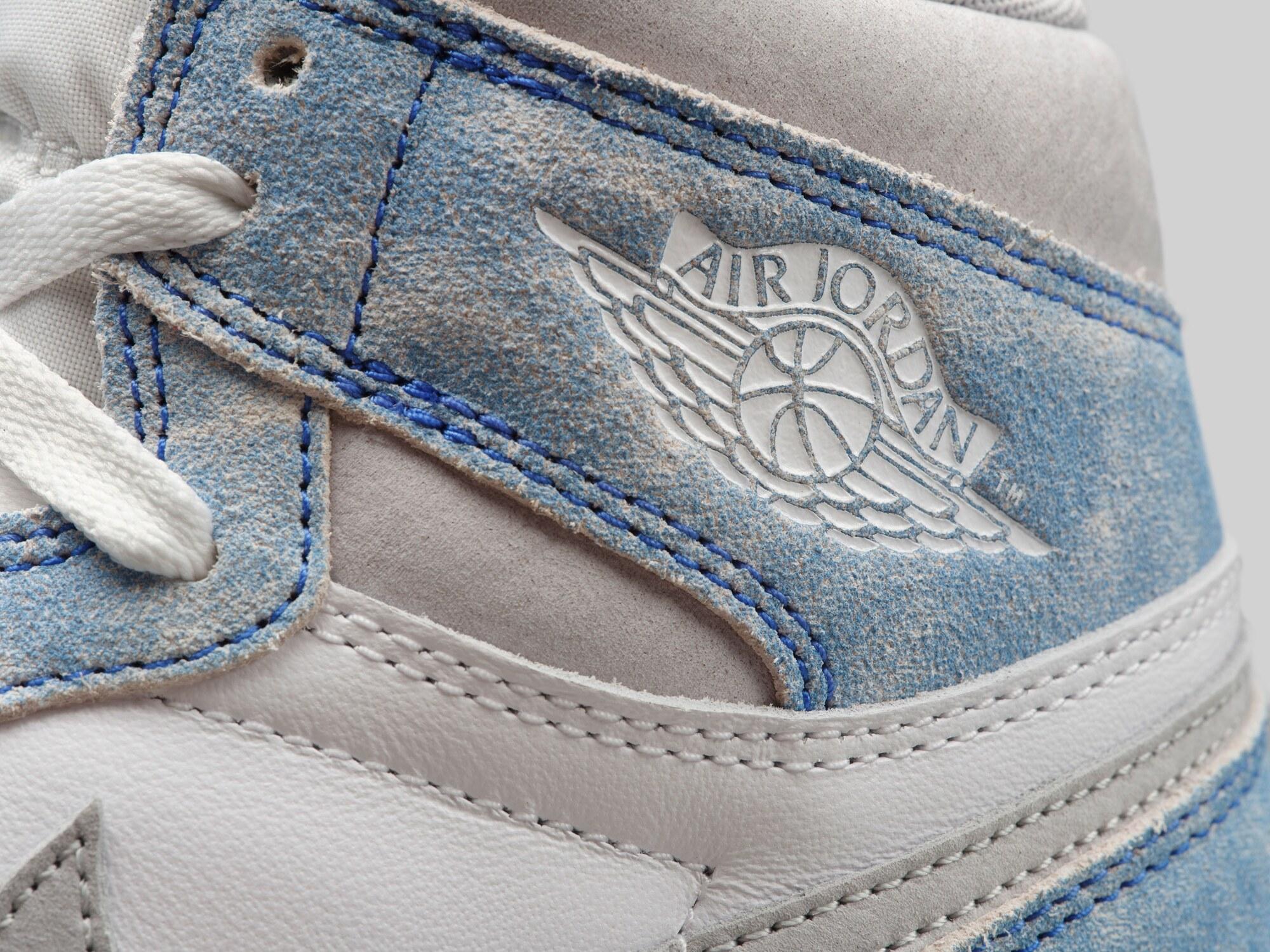 Air Jordan 1 High Hyper Royale