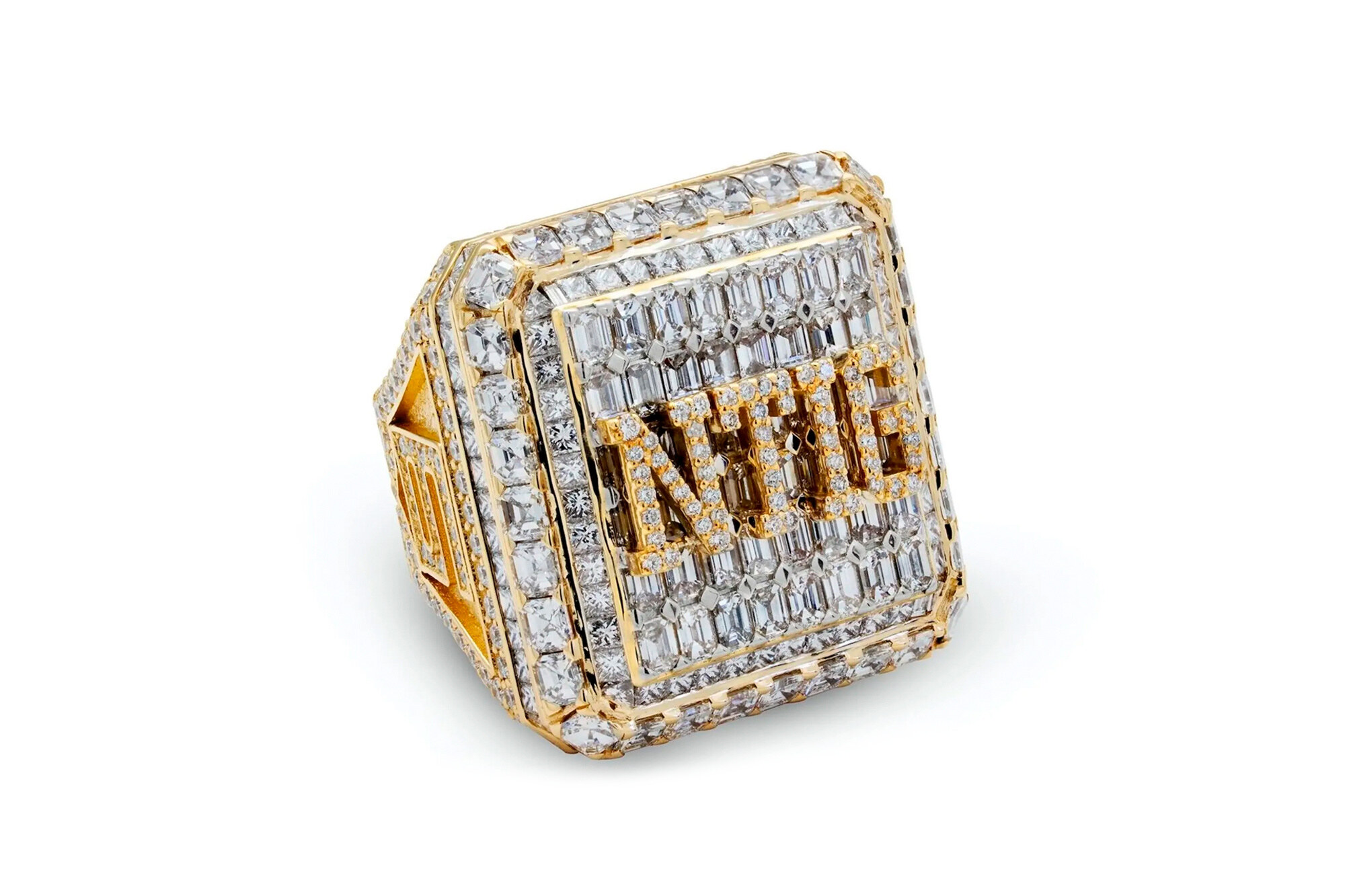 Drake anelli celebrativi da 50000 dollari