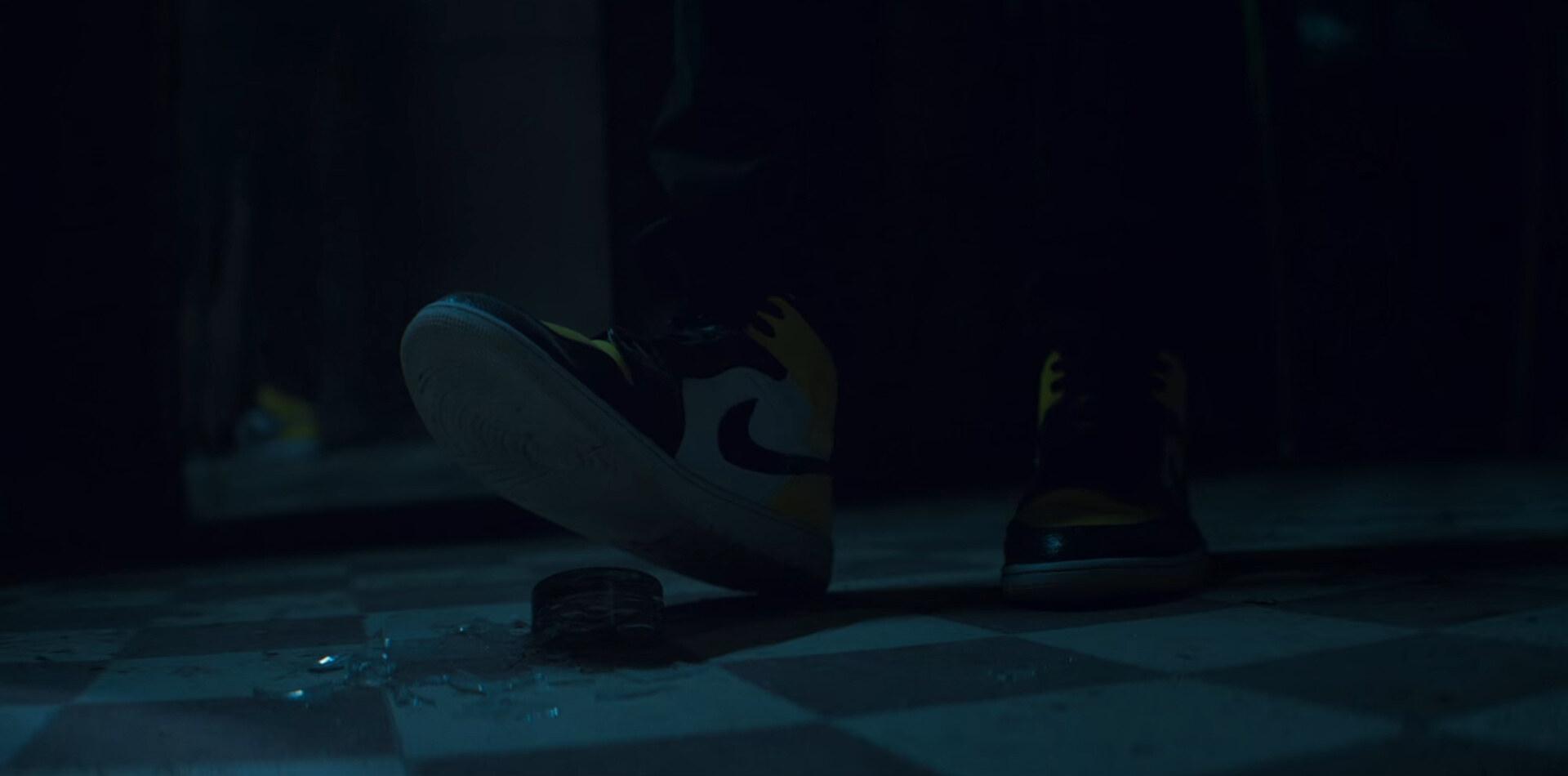 Lupin Netflix Parte 2 Air Jordan 1 Mid Yellow Toe