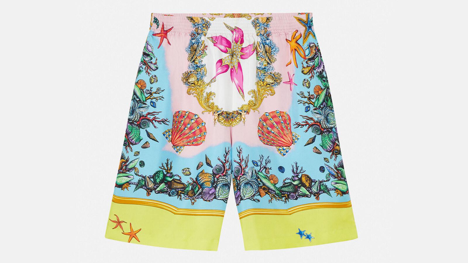 Versace - shorts in seta con stampa trésor de la mer