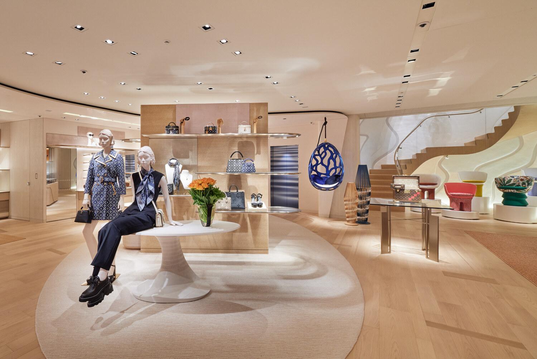 Louis Vuitton flagship Tokyo